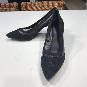 NWOT Lori Goldstein black mesh heels